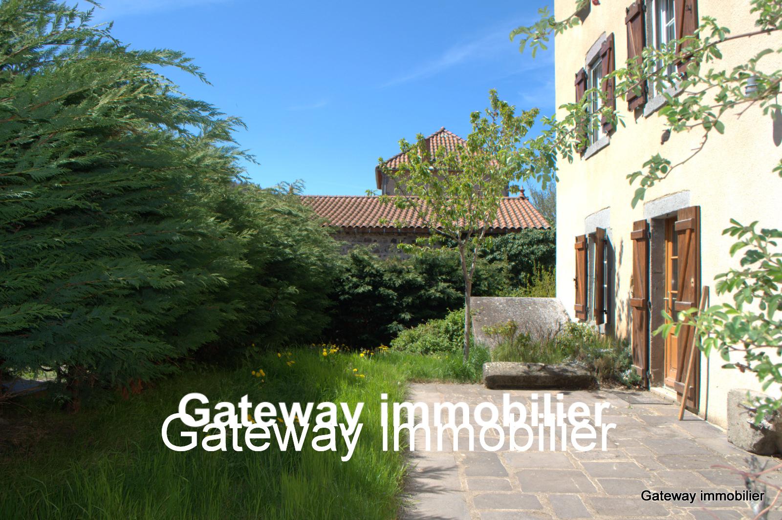 Vente maison du 19eme siecle 150 m2 63320 st nectaire for Prix maison 150 m2 rt 2012
